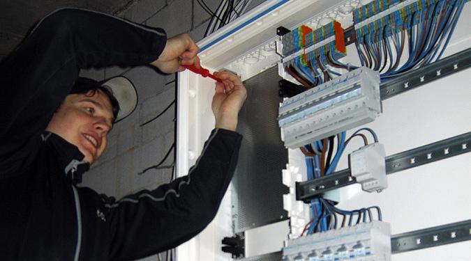 elcom-elektroinstallation-efh-tableau-9368-675x375